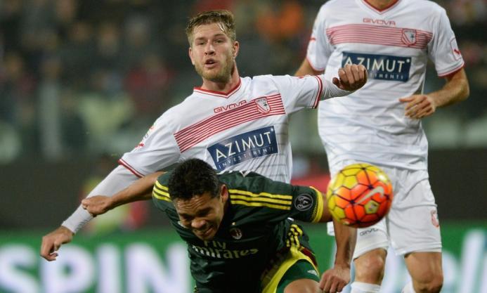 Милан — Карпи (21.04.2016) Серия А, 34-й тур